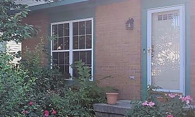 Building, 6752 Riverside Glen Ct, 0