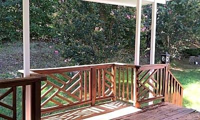 Patio / Deck, 710 Fanning Way, 2