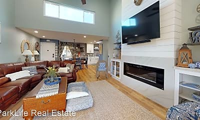 Living Room, 821 E Ave, 0
