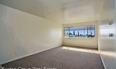 Living Room, 2434 Fern St, 1