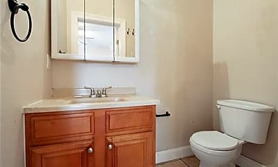 Bathroom, 1012 Roosevelt Blvd, 2