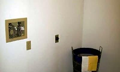 South Park Apartments, 2