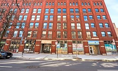 Building, 225 W Huron St 404, 0