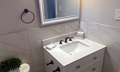 Bathroom, 39 Boston Ct, 2