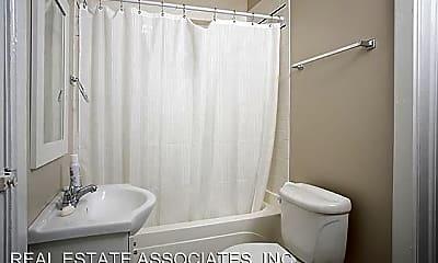 Bathroom, 117 Kenan St, 2