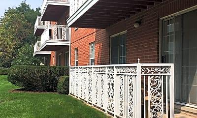 Monticello Apartments, 2