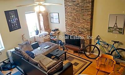 Living Room, 60 Salem St, 2