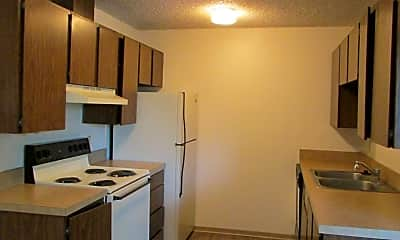 Kitchen, 1204 S Main St, 1