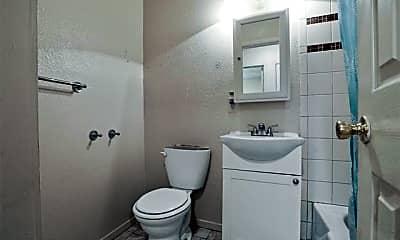 Bathroom, 827 W Monterey St A, 1