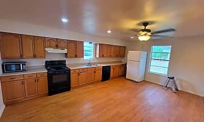 Kitchen, 13332 Hogeye Rd, 2