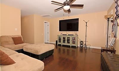 Bedroom, 855 E 7th St, 1