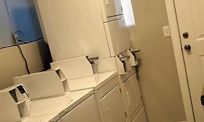 Bathroom, 3715 Almeda St, 2