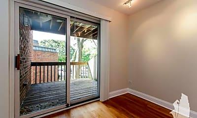 Patio / Deck, 2131 N Larrabee St, 1