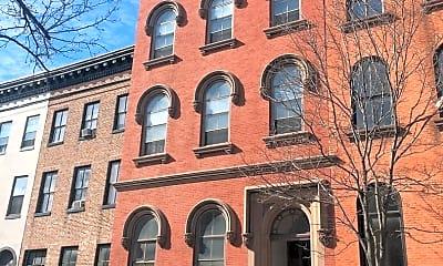Building, 920 St Paul St, 1