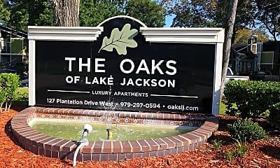 The Oaks of Lake Jackson, 1