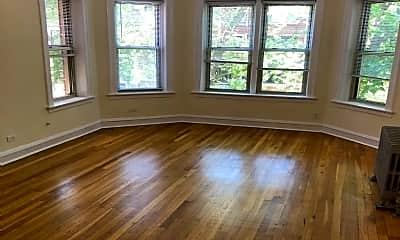Living Room, 5114 S Kimbark Ave, 0