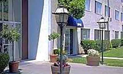 Garden Plaza, 0