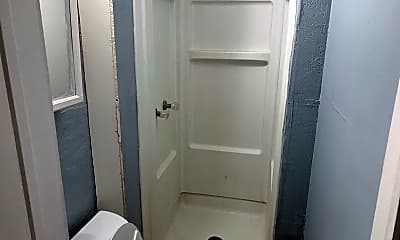 Bathroom, 218 Penn Ave, 2