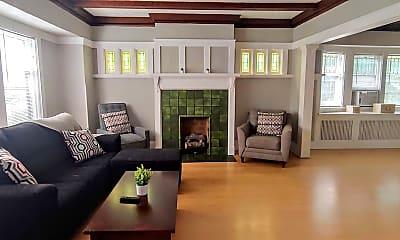 Living Room, 2002 E Newberry Blvd, 2
