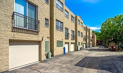 Building, 5428 S Ellis Ave, 2