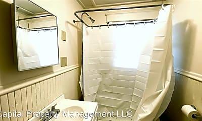 Bathroom, 39 Jefferson St, 2