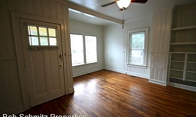 Bedroom, 813 W Knox St, 1