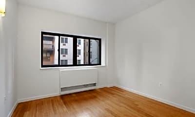 Living Room, 318 E 112th St, 1