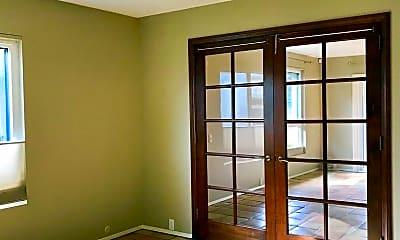 Living Room, 5964 Caminito Deporte, 1