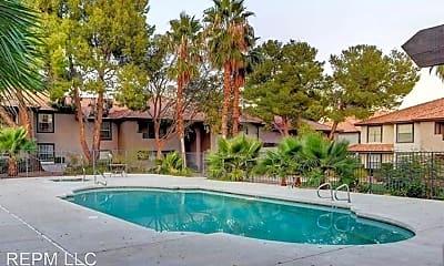 Pool, 2606 S Durango Dr, 2