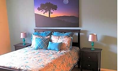 Bedroom, Quail Creek Apartments, 2