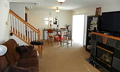 Living Room, 21132 Belgian Ln, 1