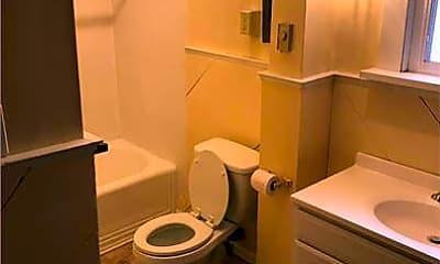 Bathroom, 32 N Ferry St 6, 2