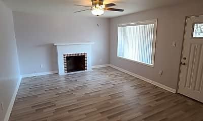 Living Room, 1510 E Roosevelt St, 0