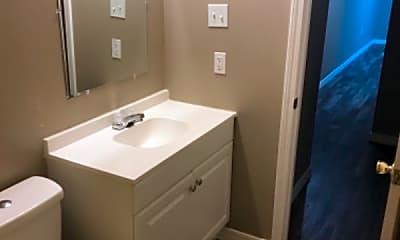 Bathroom, 705 E M St, 2