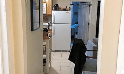 Kitchen, 1013 St Paul St, 2