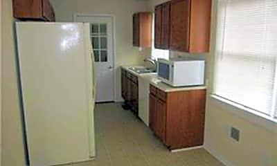 Kitchen, 7 Briar Ln, 1