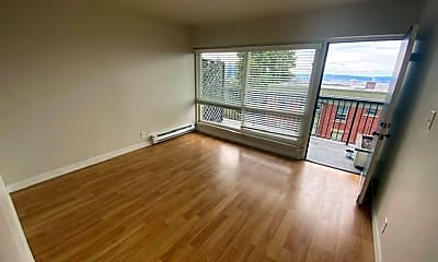 Living Room, 1100 Queen Anne Ave N, 0