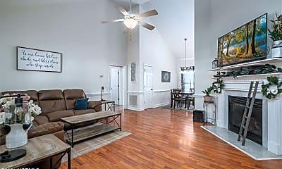 Living Room, 2704 N Chatham Ct, 1