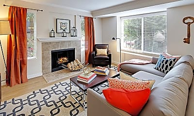 Living Room, Hubbard's Crossing Townhome Apartments, 1