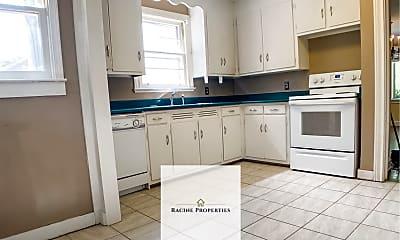 Kitchen, 118 Harrington Ave, 1