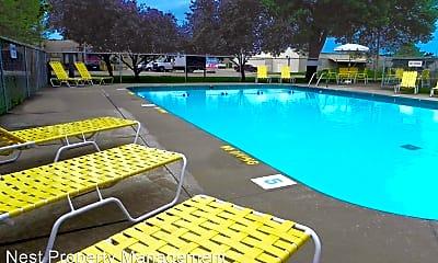 Pool, 2038 9th St, 0