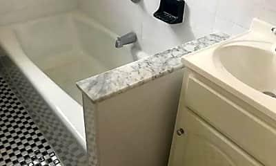 Bathroom, 31-14 35th St, 2