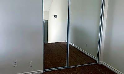 Bedroom, 129 S Olive St, 2