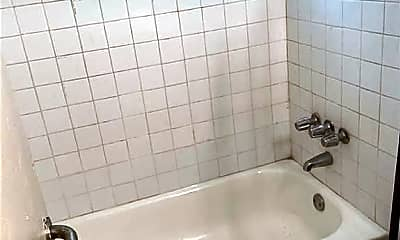 Bathroom, 5420 NW 7th Ct, 2