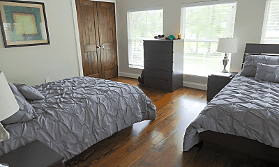 Bedroom, 1321 Lynwood Dr, 1