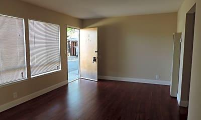 Living Room, 161 Oak Ave, 2