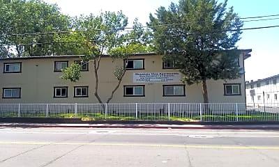 Mountain Vista Apartments, 1