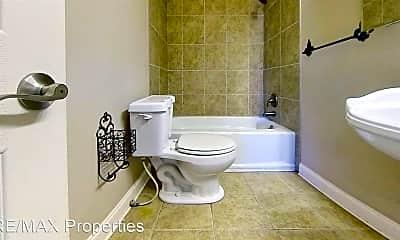 Bathroom, 1213 E Tiffani St, 2
