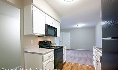 Kitchen, 1010 Clubhouse Ct, 1