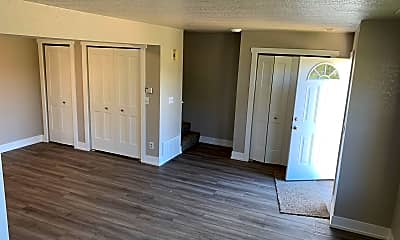 Living Room, 2852 Green Meadow Dr, 2